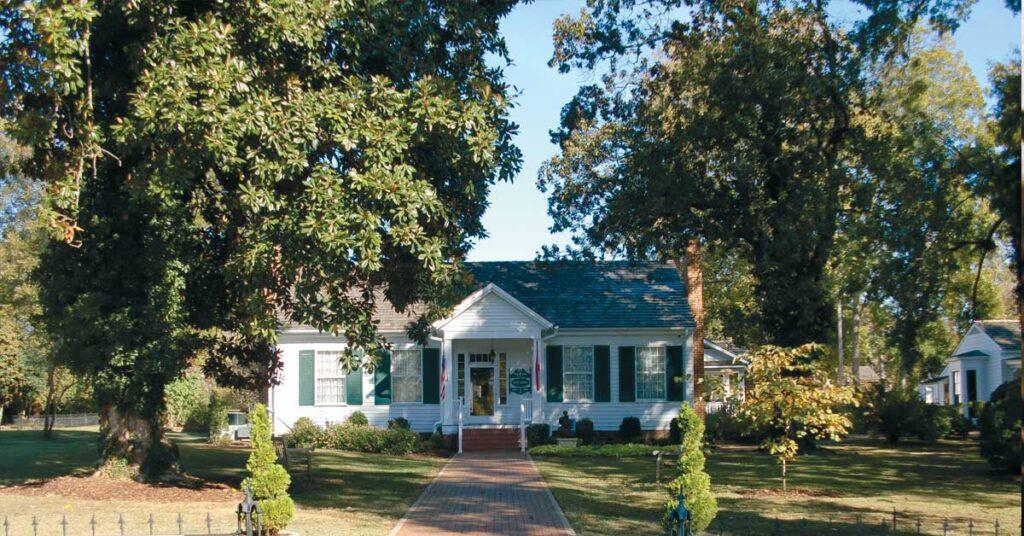 Helen Keller's Birthplace, Ivy Lodge